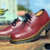 sepatu boot dokmar legendaris punk ultras dr martens low glossy maroon (6015021) di Kab. Bandung