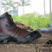 sepatu boot gagah tracking trekking adidas safety ujung besi coklat (6016337) di Kab. Bandung