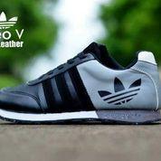FREE ONGKIR !!! Sepatu sneakers runners adidas neo v racer (6206761) di Kab. Bandung