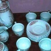Tea Set Kuno Merk Queen Royal Porcelain (7411509) di Kota Yogyakarta