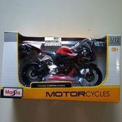 [Diecast] Honda CBR 600 RR 1/12 Maisto Red Strip Black Motor racing SH (8049585) di Kota Bandung
