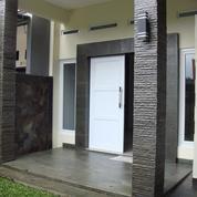 Rumah Cantik di komplek Elite di Buaran Pondok Kelapa, Strategis & murah