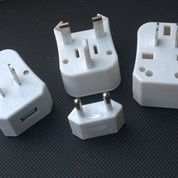 Universal Travel Adapter : Travel Adapter UAR01U (8608715) di Kota Tangerang