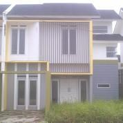 Rumah Dua Lantai Dengan Lebih Tanah Sangat Luas Tipe 91 Di Perumahan Victoria Park