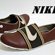 Sepatu Nike Slop 39-43