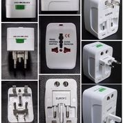 Souvenir Promosi Universal Travel Adapter UAR05