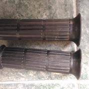 Karet Handgrip/Hadspat Yamaha U5/U7/V75/V80 Original (9476483) di Kota Surabaya