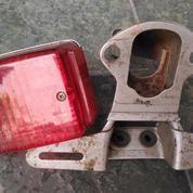 Lampu Stop, Rumah Lampu & Dudukan Lampu Belakang Kawasaki KE125 (Original)