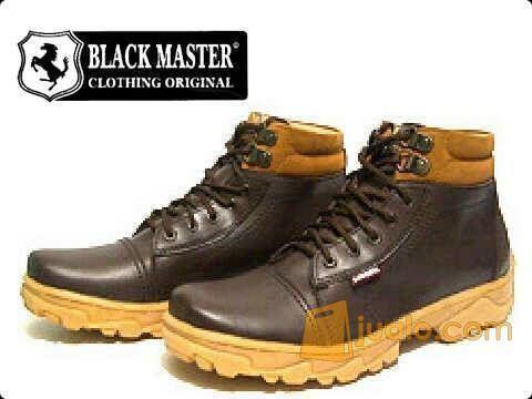 Black Master Boot Riban Brown