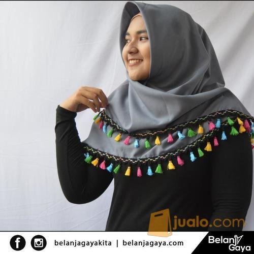 Hijab square tassel mode gaya wanita 11075643