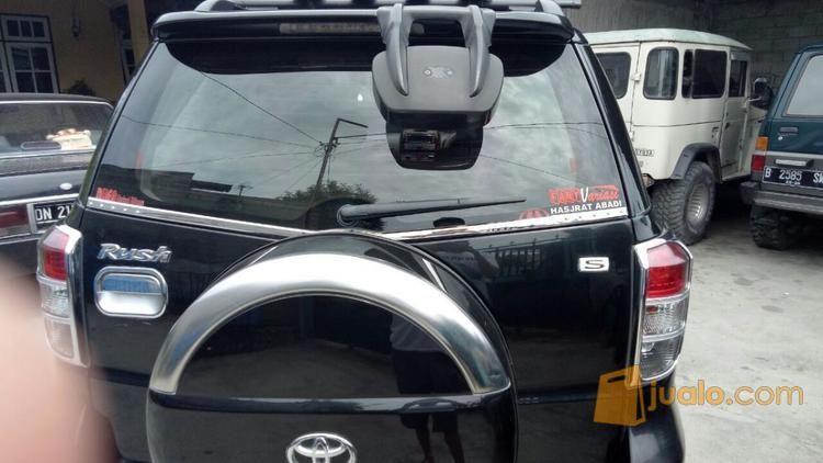 Mobil Rush 2012 Siap Pakai Kilometer Rendah