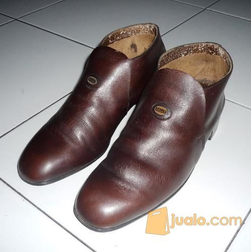 Sepatu Pria Merk Bally (11752577) di Kota Yogyakarta