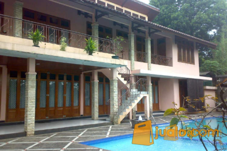 Vila Besar Berserta Isi Bogor Puncak