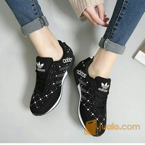Adidas black shoes la mode gaya wanita 12609393