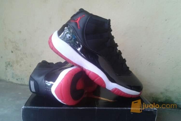 sepatu basket air jordan 11