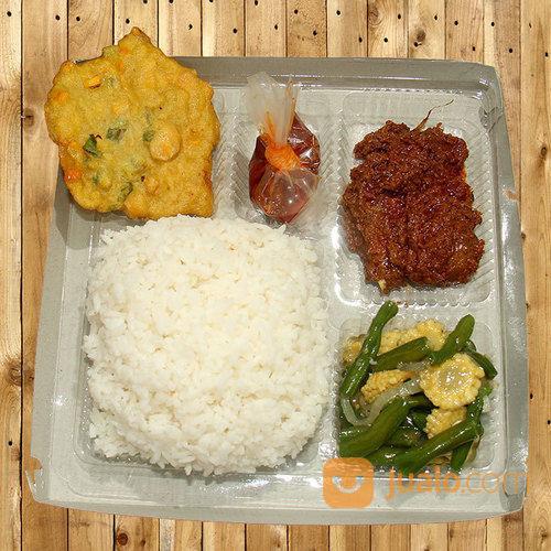 Nasi Kotak Paket Rendang Padang
