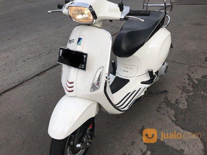 Sepeda Motor Vespa Piaggio Sprint 150 3v Tahun 2015 Warna Putih