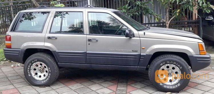 Chrysler grand cherok mobil jeep 14331039