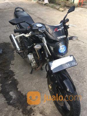 Yamaha Vixion 2010 Hitam - Motor V-Ixion FZ150 Sport Bike ...