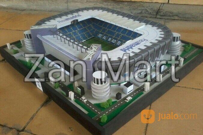 Miniatur Replika Stadion Santiago Bernabeu Real Madrid Mini Size (14501381) di Kab. Cirebon