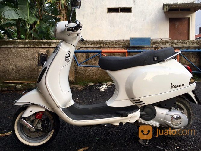 Piaggio Vespa Lx150 3v Tahun 2013 (14614821) di Kota Bekasi