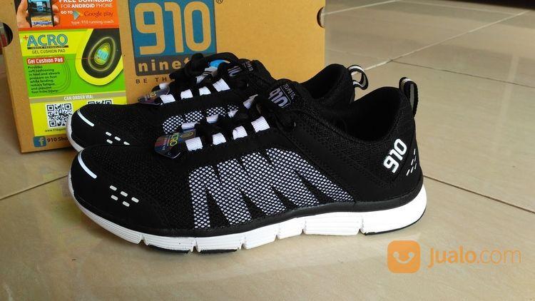 Sepatu olahraga sneak pria 14747221