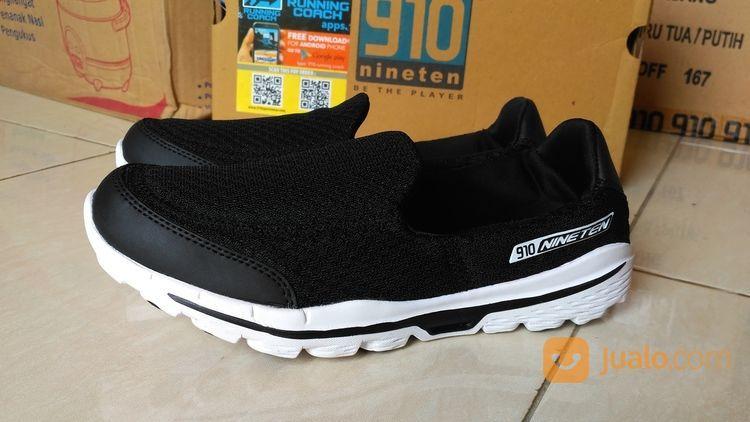 Sepatu slip on ninete pria 14747959