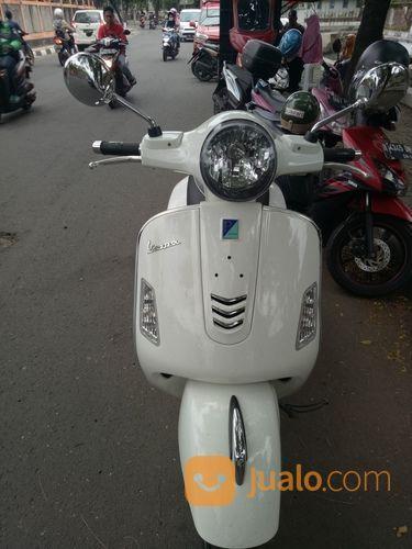 PIAGGIO VESPA MATIC GTS 150 KLASIK CLASSICS BUKAN MOTOR CUSTOM KUSTOM TUA GTS150 Seperti Baru (14797015) di Kota Semarang