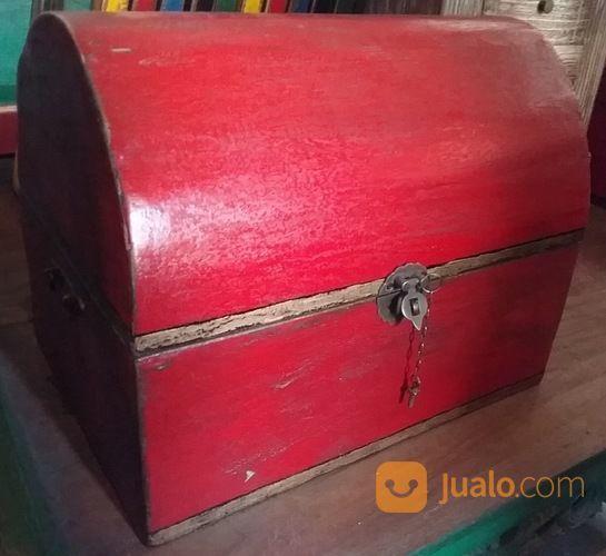 Kotak Lengkung Antik (14831445) di Kota Denpasar