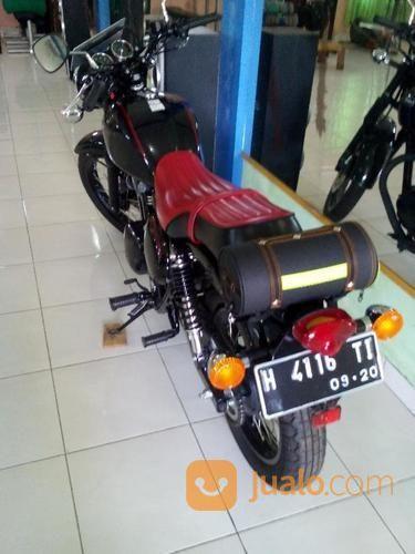 Black Classic Motor (14842633) di Kab. Semarang