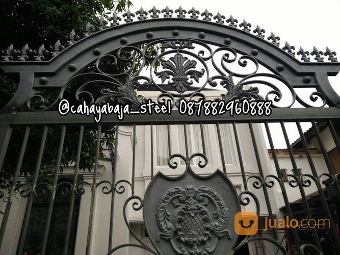 Pintu Pagar Besi Tempa Klasik Semi Minimalis | Jakarta Barat | Jualo