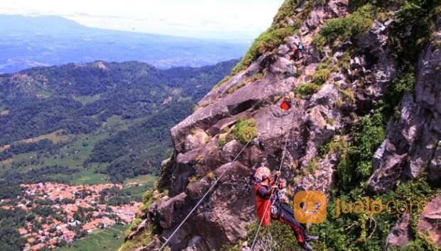 Open Trip Gunung Parang Purwakarta (16770519) di Kota Depok