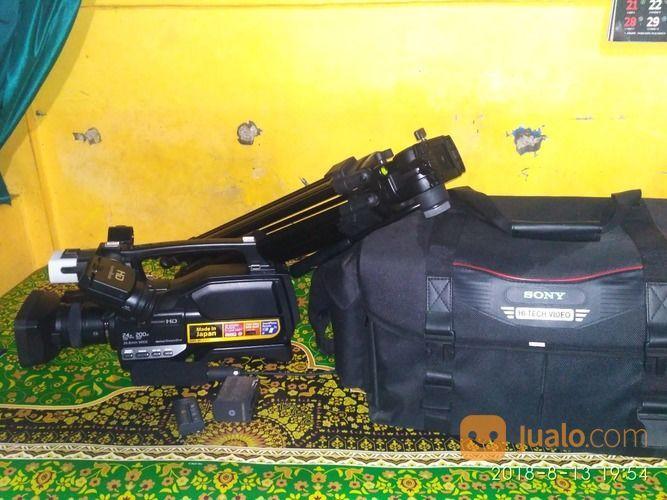 Kamera Sony HXR-MC2500 Kondisi Masih Baru. Lengkap Batre Dapet 2+Tas+Tripod