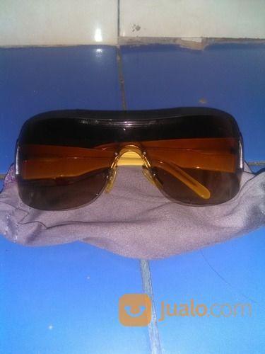 Kacamata versus ori kacamata 16844011