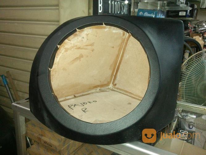Box sudut subwoofer a audio mobil 17015687