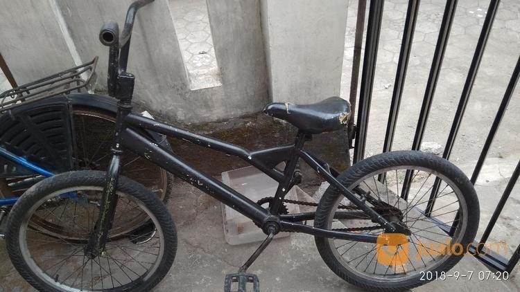 "Sepeda Bmx 20"" Warna Hitam (17091959) di Kota Yogyakarta"