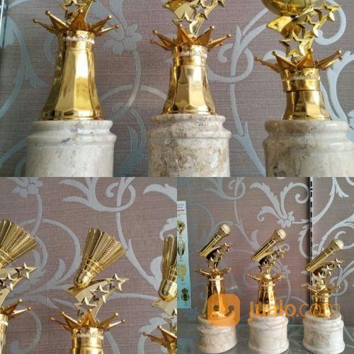 Piala Marmer Figur Karakter Impor (17939135) di Kota Bandung