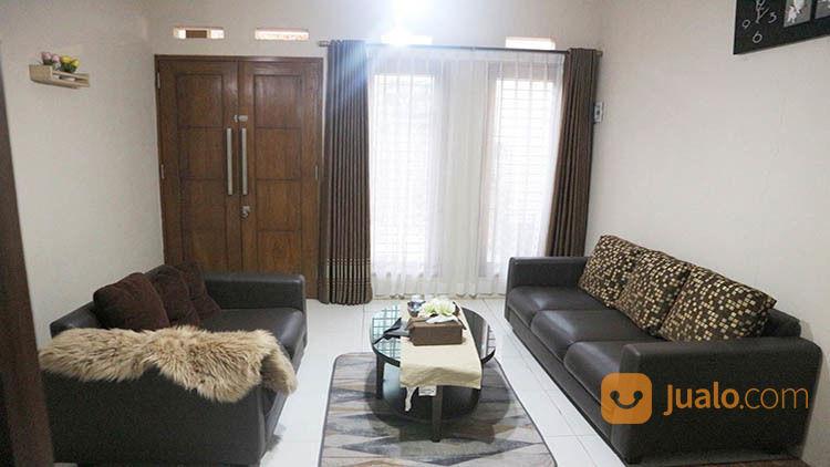 Rumah 2 Lantai Luas 211 Di Veteran Matos Kota Malang _ 56.19 (18566795) di Kota Malang