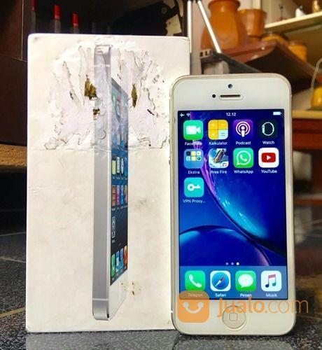 Iphone 5 dengan kapas handphone apple 19118271