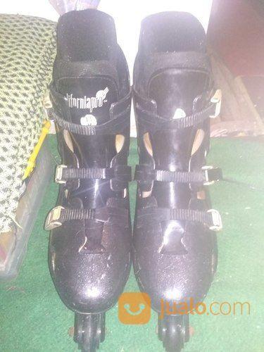 Sepatu roda californi skateboard dan sepatu roda 19707031