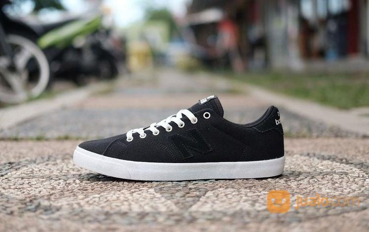Sepatu - Sneakers New Balance Numeric 210 Black White Canvas Original (20022779) di Kab. Sleman
