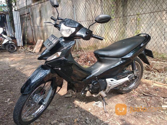 Suzuki Titan 2011
