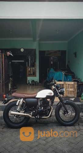 W175 Absolute Se (20509779) di Kota Surabaya