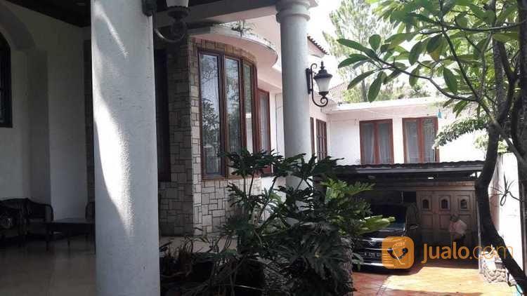 Rumah 2 Lantai Asri Swimming Pool Villa Cinere Mas Depok Jualo