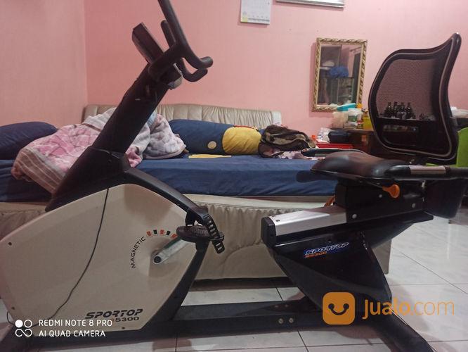 Alat sport sepeda sta peralatan fitness 22962463