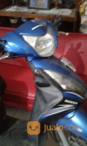 Sepeda motor space motor honda 23166959