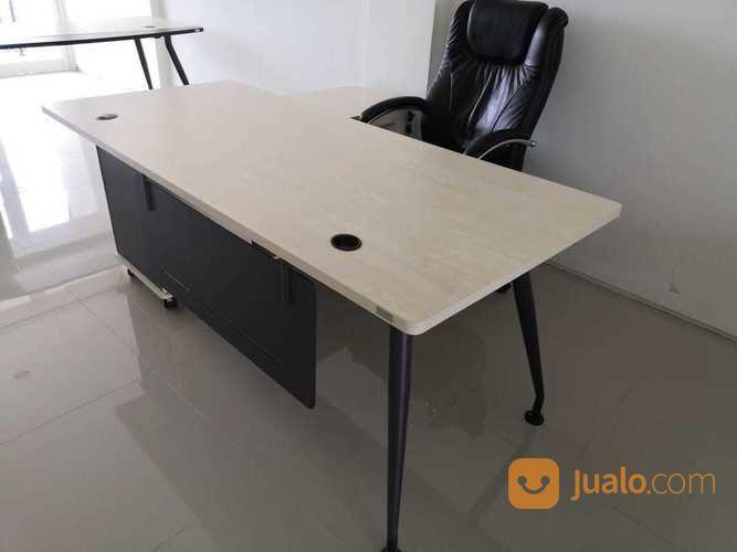 Meja Kerja Informa Malca Manager Desk 180 Denpasar Jualo