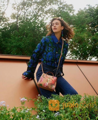 Style Theory Promo Fashion Freedom FREE Fabelio Voucher Rp 100.000! (23860579) di Kota Jakarta Selatan
