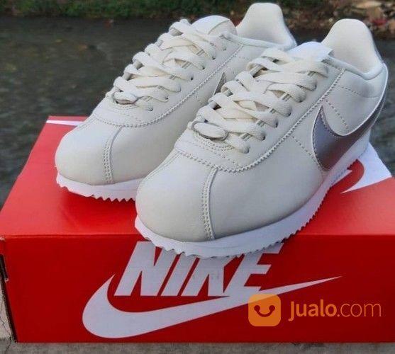 Sepatu Nike Cortez Cream Silver (26054263) di Kota Bandung