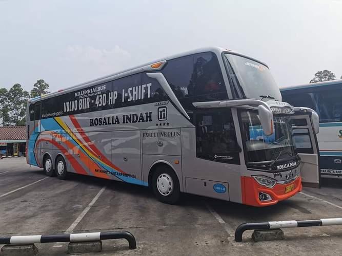 VOLVO BUS B11R 430HP 6x2, I-SHIFT 12 SPEED. KOTA BOGOR (26098203) di Kota Bogor